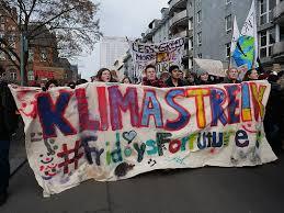 """Vaizdo rezultatas pagal užklausą """"Friday For Future protest"""""""
