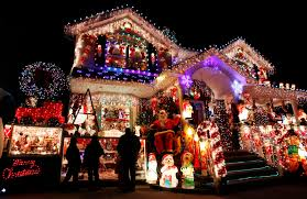 ... Comfortable House Decorated For Christmas Tittle ...