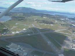 Victoria International Airport Cyyj Aeroplane