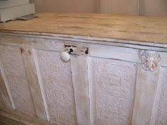 great counter and recycled door never thought of using the door as the front of a