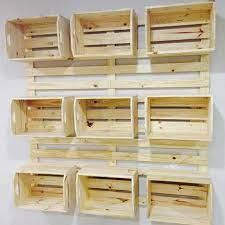Como fazer uma prateleira de palete de madeira. Painel De Caixotes Painel Caixotes Palete Pinus Pallet Paletes Mundopalete Moveis De Caixotes Prateleiras De Pallet Prateleiras De Parede De Paletes