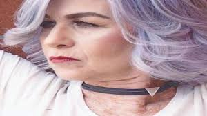 القصات الحديثة للنساء فوق سن 50