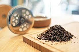 French press coffee makers tend to use some of the coarsest grinds. Coffee Grind Chart Which Grind For Different Coffee Makers Grosche
