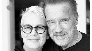 She is the recipient of several accolades, including a bafta award, two golden globe awards, a primetime emmy award nomination and a sag award nomination. Jamie Lee Curtis Mit Schwarzenegger Abendzeitung Munchen