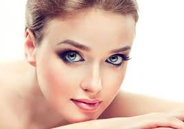you are blessed with a beautiful face and your big eyes enhance its charm you feel yourself lucky but gets confused when it es to eye makeup