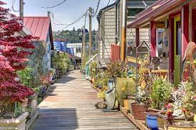 Houseboats In Seattle 2017 Fairview Ave E Houseboat O Seattle Wa 98102