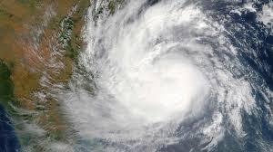 อินเดียระทึก พายุวาร์ดะห์ จ่อถล่มภาคใต้ เตือนระวังอันตราย ฝนตกหนักมาก