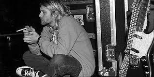Tapi hanya ingin berbagi bagaimana rasanya cinta dan patah hati itu sendiri. 25 Kata Kata Bijak Kurt Cobain Tentang Kehidupan Penuh Makna Dan Menyentuh Hati Merdeka Com