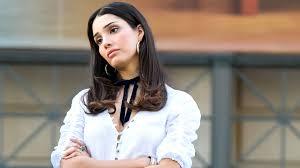 Otra prueba de que Zión Moreno es la nueva Blair Waldorf? Su peinado de royal... - Flipboard