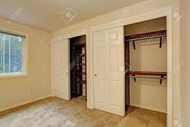 Kleines Schlafzimmer Interieur Nahaufnahme Blick Auf Schrank Mit