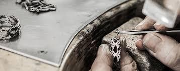 Resultado de imagen para imagenes de joyeros artesanos en plata