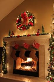 christmas-decorations-for-fireplace-mantel