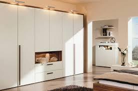 Camere Da Letto Salvaspazio : Camera da letto idee salvaspazio moderno armadio design per