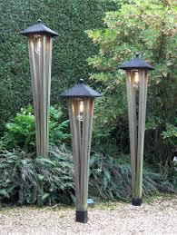Outdoor Lighting Japanese Lanterns Toffe Verlichting In De Tuin Gezien In De Voorbeeld Tuinen