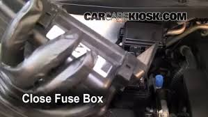 replace a fuse 2005 2010 honda odyssey 2007 honda odyssey ex 6 replace cover secure the cover and test component