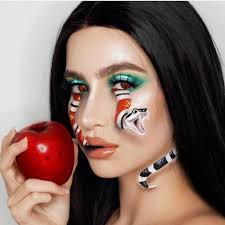Terrifyingly Creative Halloween Makeup Looks To Try