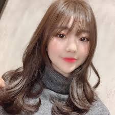 韓国女優からアイドルまで夢中華やかさ満点レイヤードカットが最先端