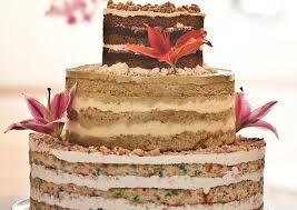 Cake Pengantin Tanpa Polesan Yang Sedang Populer