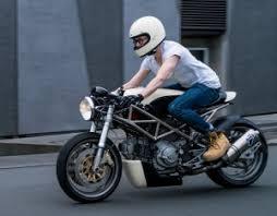 """""""Flat White"""" <b>Ducati Monster 400</b> Cafe Racer – BikeBound"""