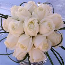 White wedding centerpieces Pinterest My Newsletter Globalrose Centerpiece Ideas For Weddings White Roses Centerpieces Globalrose