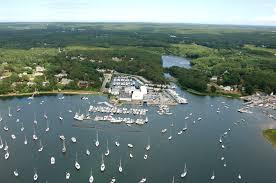 Chart Room Cataumet Reservations Kingman Yacht Center In Cataumet Ma United States Marina