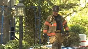 Firefighters battle blaze and extreme heat in Edgmont Twp ...