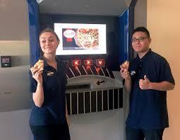 Pizza Vending Machine Xavier Extraordinary Nation's First Pizza ATM Opens At Xavier University In Cincinnati