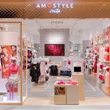 Boutique Retail Design Futurebrand Uxus Designs New Retail Experience For Triumph