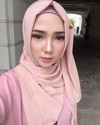 clozette clozetteid makeup motd hijab pink cute vanilla fashion insram ayuindriati