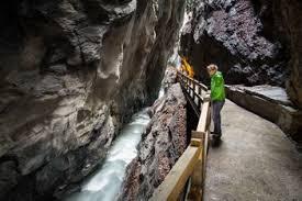 Jetzt treppe renovieren mit dem bewährten system zur treppenrenovierung von hafa treppen. Die Schonsten Schluchten Der Schweiz Viamala Taubenloch Aare Dossier