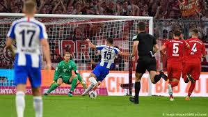 Bayern testet gegen köln, ajax, gladbach und napoli 02.07. Lewandowski Doppelpack Reicht Gegen Hertha Nicht Sport Dw 16 08 2019