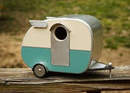 cute bird house 1 Cute Bird House Vintage Camper Birdhouse