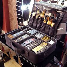 professional makeup kit all you need to bee professional makeup artist