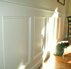 wainscoting with applied panel moulding