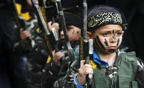Resultado de imagem para Estado Islâmicos está transformando crianças em monstros