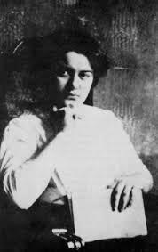 Edith Stein:Histoire d'une Carmélite d'origine juive exécutée.....    Images?q=tbn:ANd9GcRbds2Dlylj_4bc4ol0Y9YeJeQVW1DyRXGH1umX-LXG1PoMn0Cz