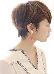 大人のレディース向け小顔効果バツグンのショートヘアスタイル10選