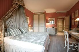 Bedroom  Elegant Traditional Country Bedroom Design And Plaid - Traditional bedroom decor