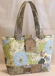Best 25+ Quilted bag ideas on Pinterest | DIY quilted bags, DIY ... & Lazy Girl | Blog » New Pattern: Mini Miranda Bag Debuts at Quilt Market · Quilted  Purse PatternsDiy ... Adamdwight.com