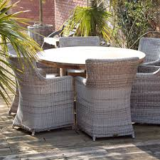 6 seater round garden dining table