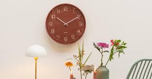 wall clocks over one thousand clocks