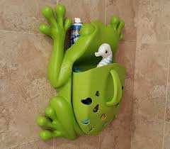frog pod bath toy scoop by boon