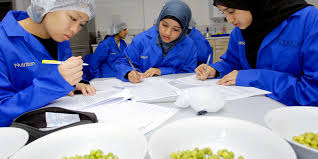 nutrition human nutrition bsc hons degree course for clearing 2018 and 2019 entry london undergraduate courses kingston university london