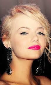 emma stone bright pink makeup idea