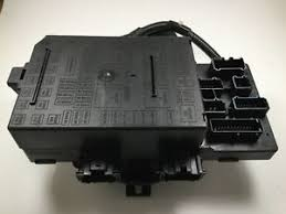 genuine oem ford fuse box assembly lz a aa image is loading genuine oem ford fuse box assembly 3l1z 14a068