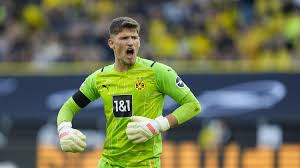 In august of 2017, cc began dating anna sherman. Bvb Gregor Kobel Fuhrt Schweizer Garde Im Tor An Roman Burki Droht Karriere Stillstand Bei Borussia Dortmund Eurosport