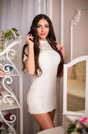 paullyllama or escort located in city,