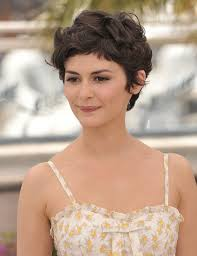if you love wavy gorgeous look you can consider bing a romantic short hairstyle for wavy