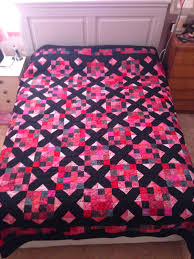 Lynda in Wonderland: Goodnight Irene & Karen quilted it with a hearts and flowers design, which is a great pattern  that doesn't detract from the piecing. I bought a wideback for the backing  and ... Adamdwight.com