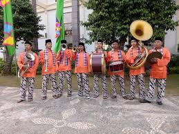 Alat musik tradisional lainnya yang juga berasal dari pulau jawa adalah gamelan. Tanjidor Musik Khas Dari Betawi Yang Bersuara Merdu Mpok Iyah